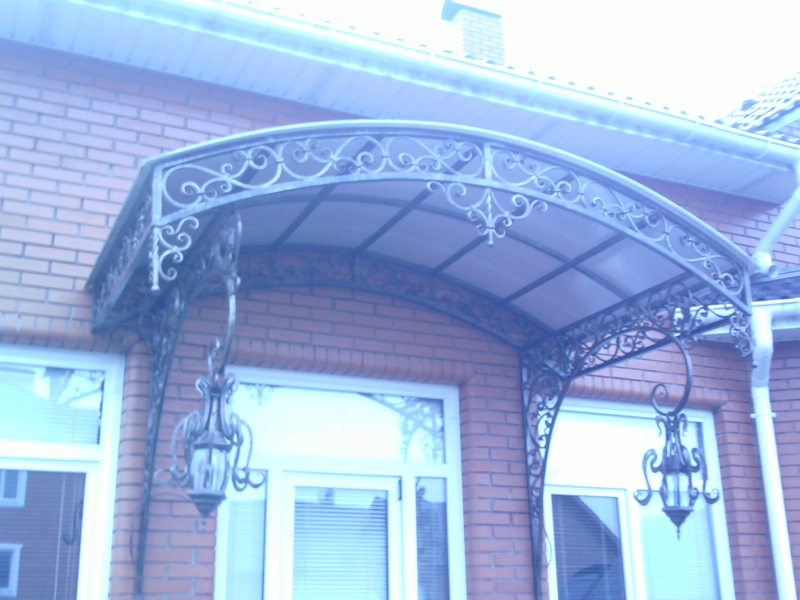 Кованые балконные ограждения и кованые балконы фото и цена.